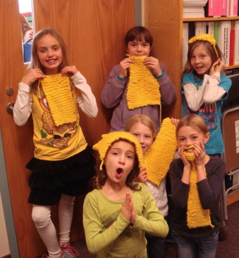 4th graders w/ knitting